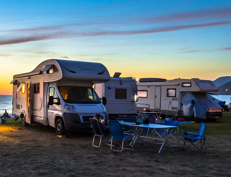 Line of 3 campers together